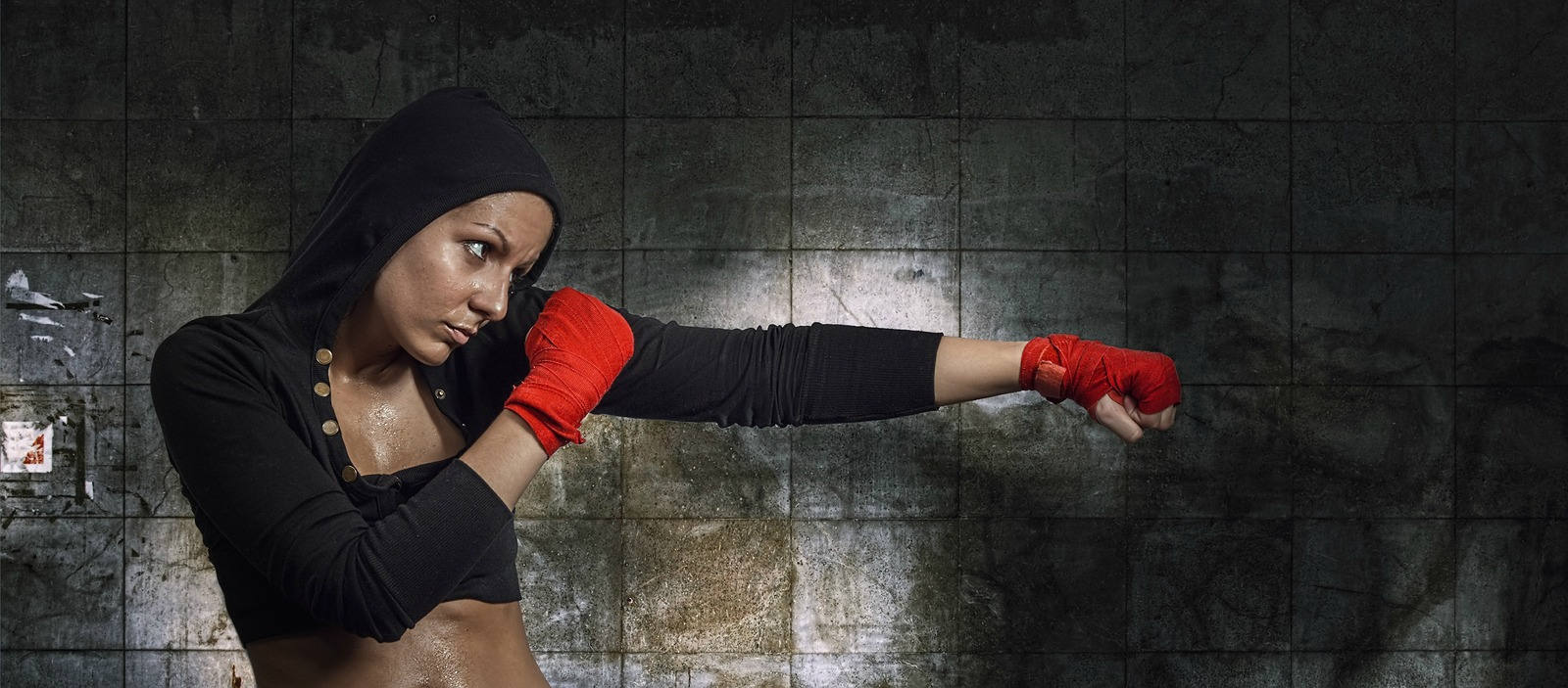 Women, don't be put off boxing thinking it's too aggressive. It offers loads of great mental and physical benefits!