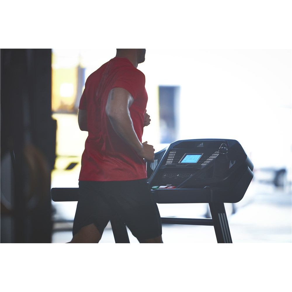 Features of the adidas T-16 treadmill